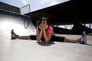 TANZ perfekte Bewegung zur Musik, absolute Körperbeherschung und Performance